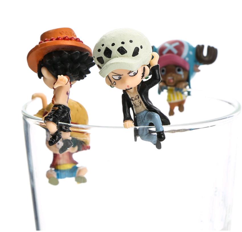 5 stücke Anime One Piece Crayon Shin-chan Figur Spielzeug Modell Rand Der Tasse