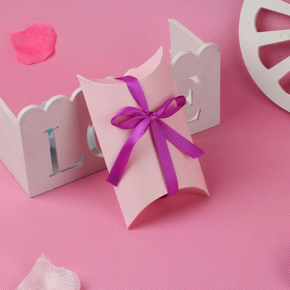 50/100X Wedding Favor Box Cute Kraft Paper Pillow Party Favour Gift ...