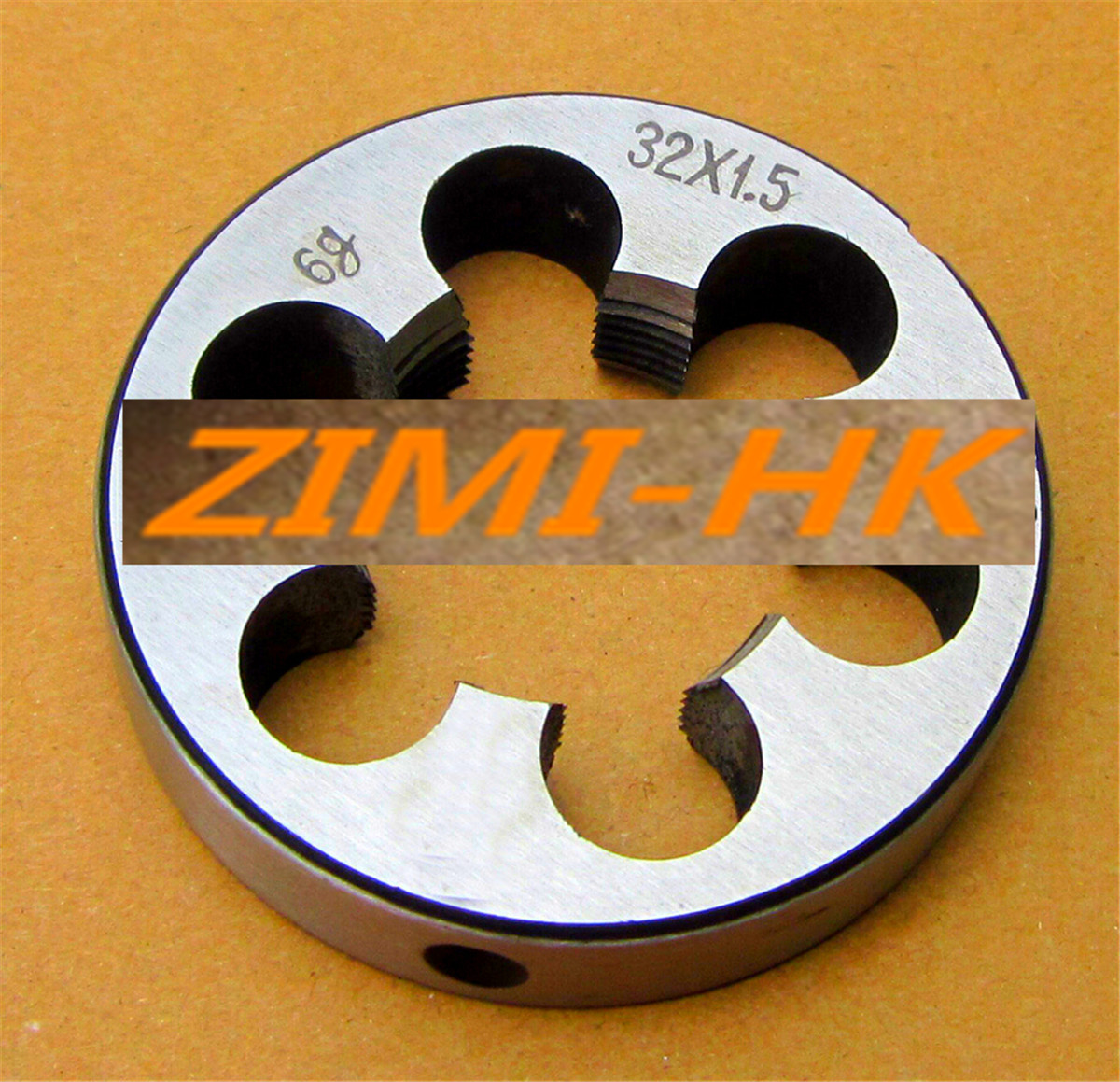 The high quality 1pcs 17mm x 1.5 Metric Right hand Die M17 x 1.5mm Pitch