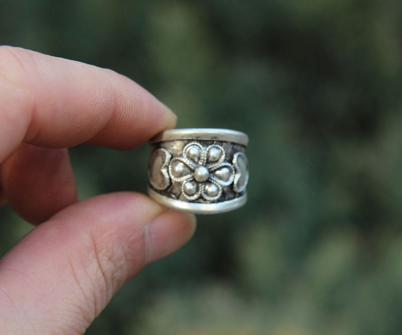 Chinese Miao Silver Handwork Weave Flexible Caliber Flower Pattern Finger Ring