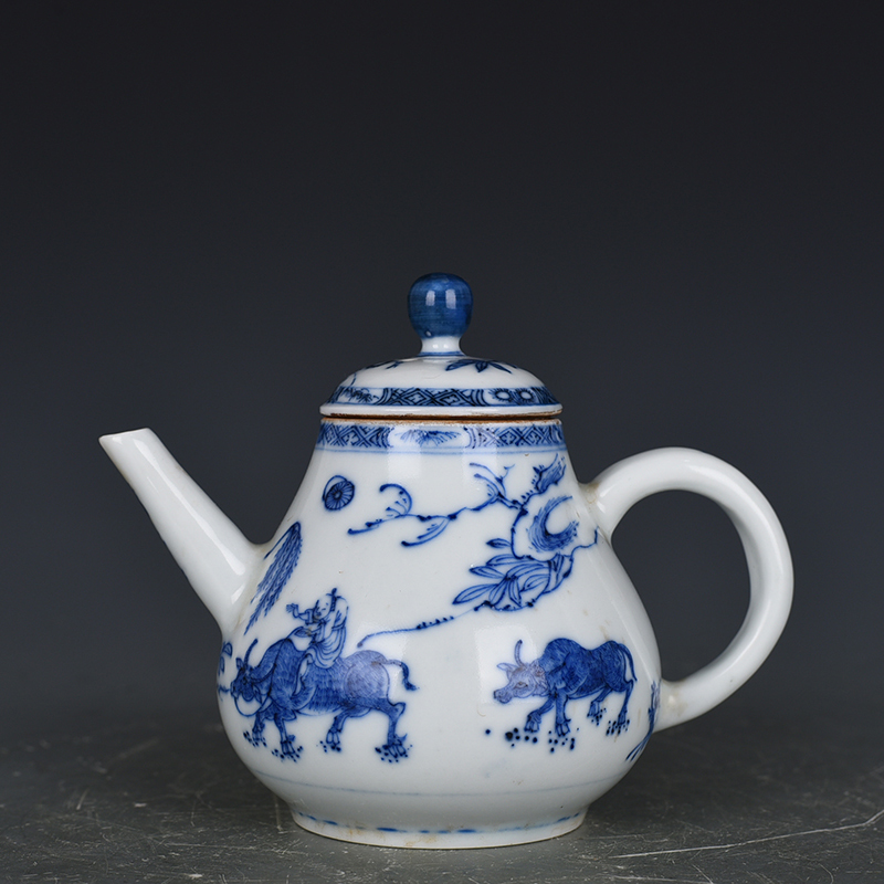 Delicate Chinese Blue and white porcelain Handmade Dragon Teapot