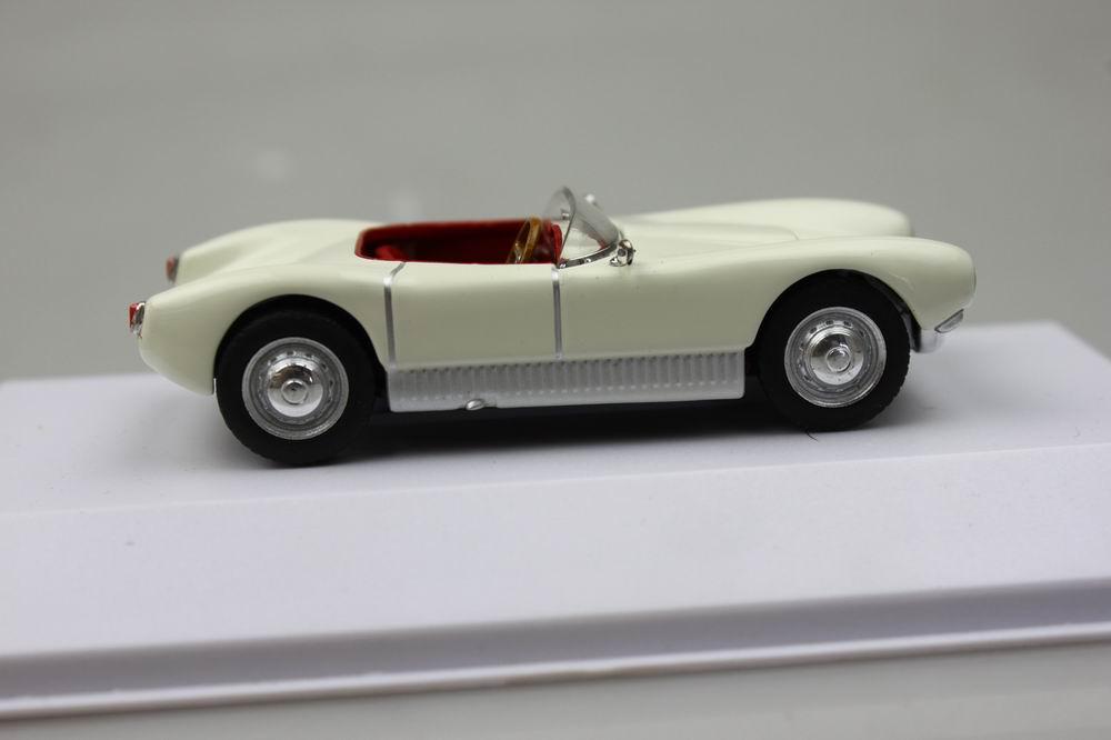 1:43 Atlas Saab Sonett Super Sport 94 1956 creme-white