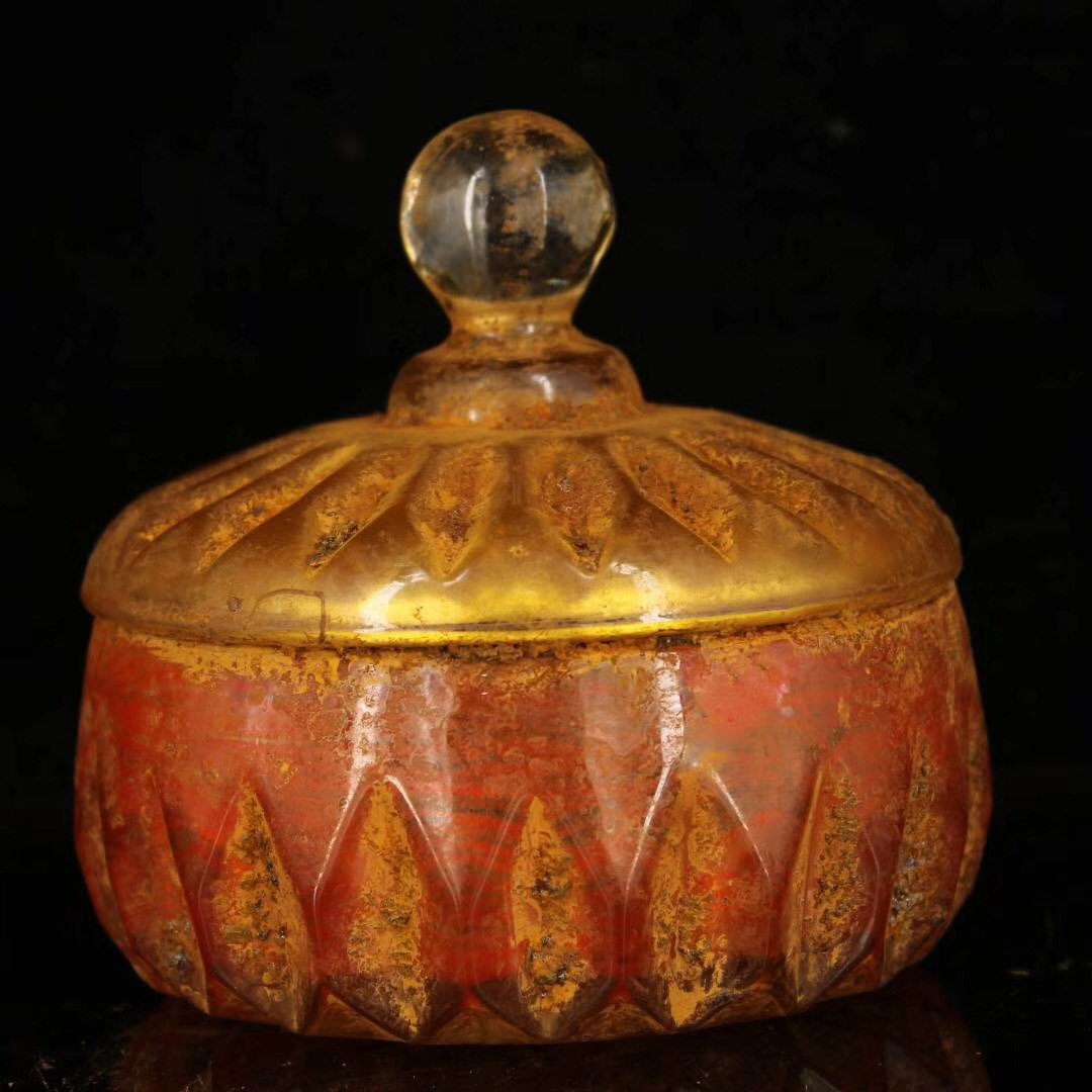 Tibet Unearthed from the ancient temple Crystal relic jar Supreme KingKong Relic