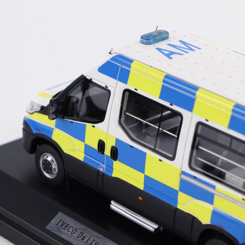 Version Polizeiauto Modellsammlung 1//43 resin AURORA IVECO Daily Airport APT