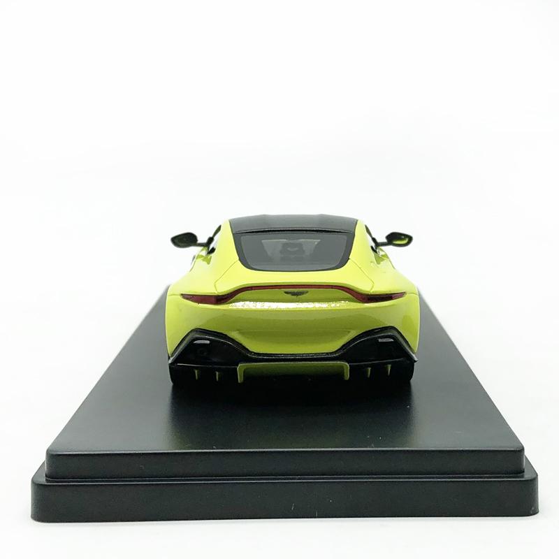 Aston Martin V8 Vantage Cabriolet James Bond 007-1:43 Voiture Model Car DY069