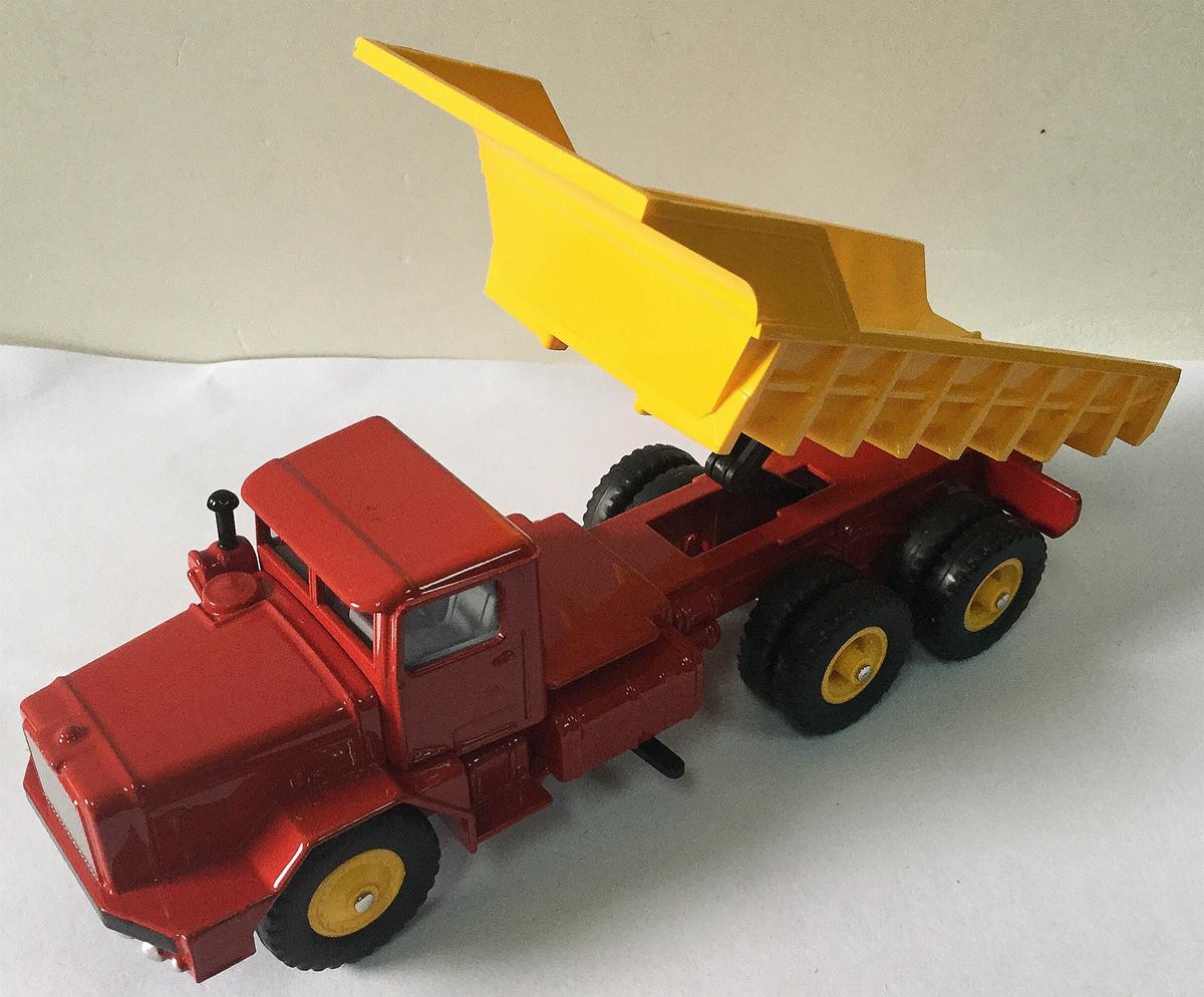 dinky toys Berliet GBO benne carriére dinky atlas ref 572