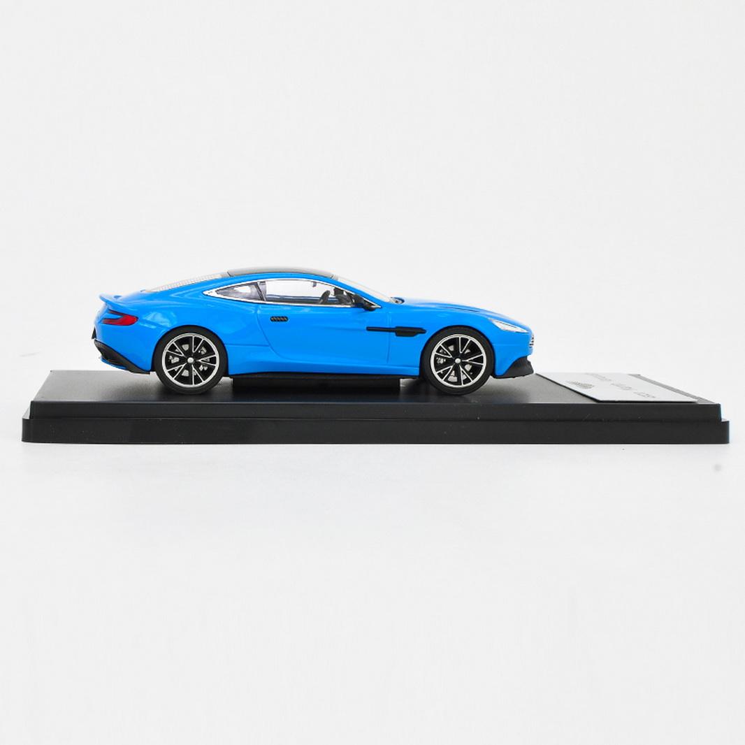 Original 1:43 Scale Aston Martin Vanquish Blue Super Sports Car Model Diecast