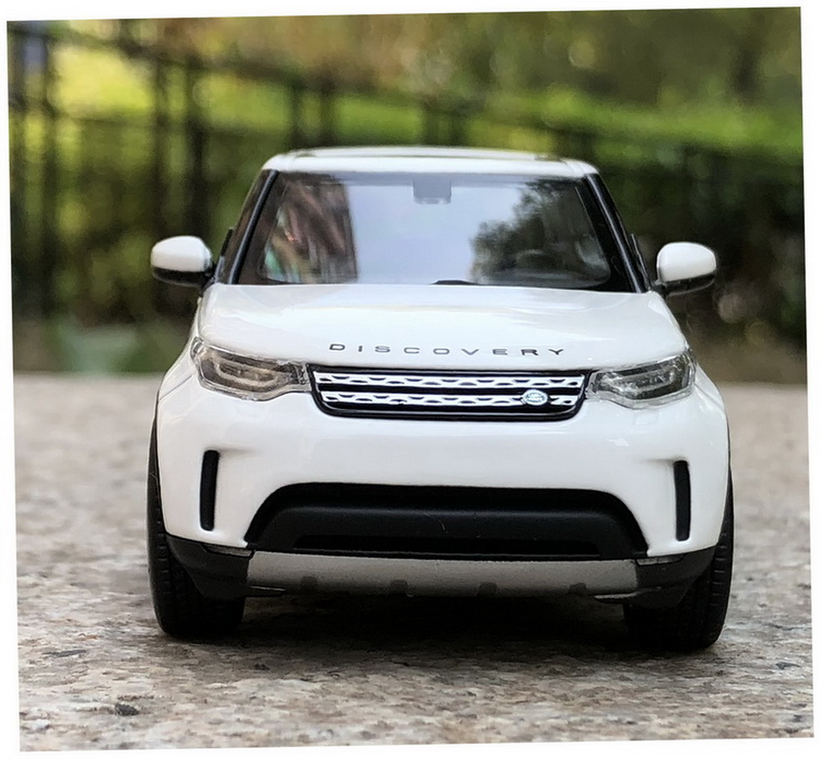 1//43 Land Rover Discovery 5 white Diecast Car Model Collection