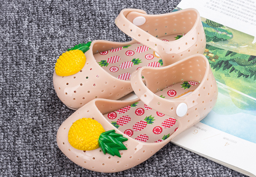 51c1d7f31 Girl s Cute Soft pineapple Jelly Sandal Summer Ankle Strap Soft Kids Beach  Shoes
