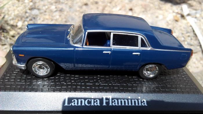 Atlas 1//43 Scale Lancia Flaminia 1960 Giovanni Gronchi Diecast Model Car Blue