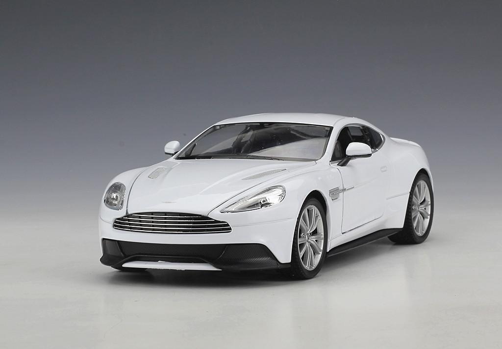 Welly 1 24 Aston Martin Vanquish Diecast Metal Model Car Black White