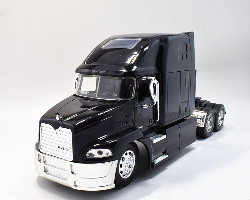 Newray 1:32 Mack Pinnacle Diecast Truck Model New no Box Black