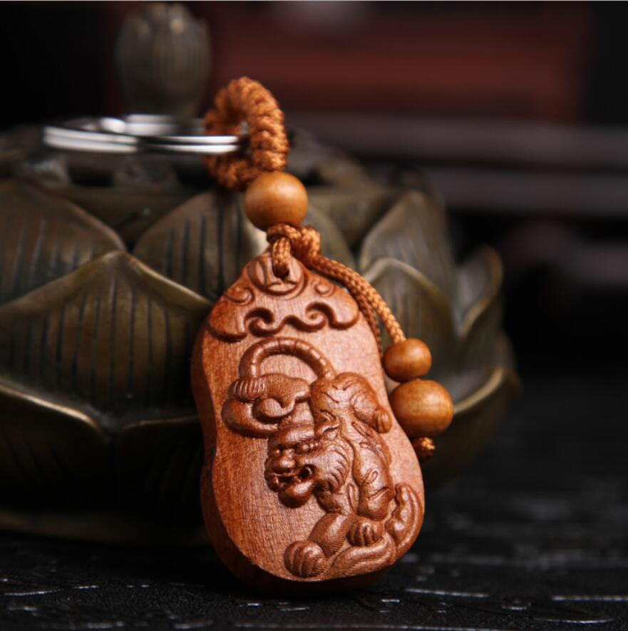 Wood Carving Chinese Cicada Statue Sculpture Pendant Key Chain 知足常乐