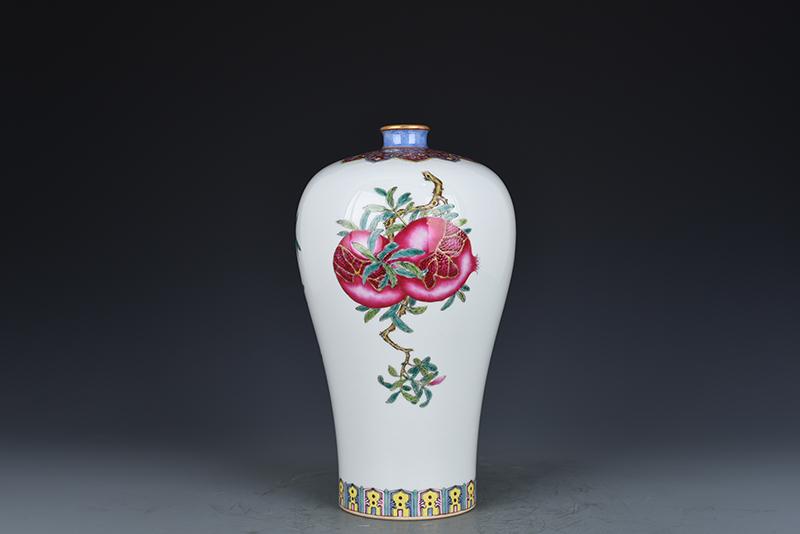 China antique porcelain Qing yongzheng famille rose guanyin hexagon vase