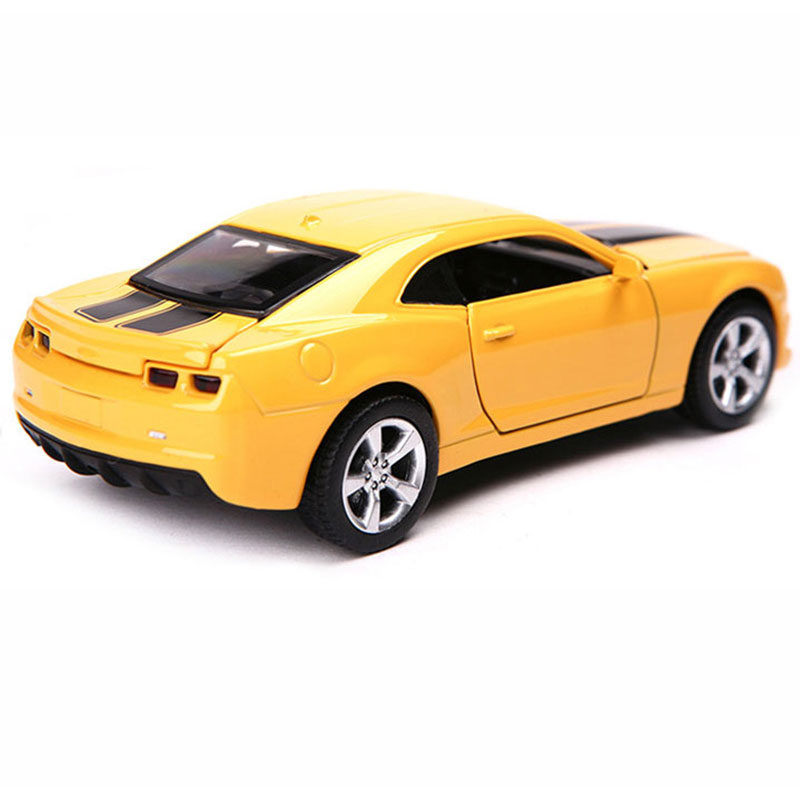 1:32 Chevrolet Camaro Bumblebee Sport Car Model Metal