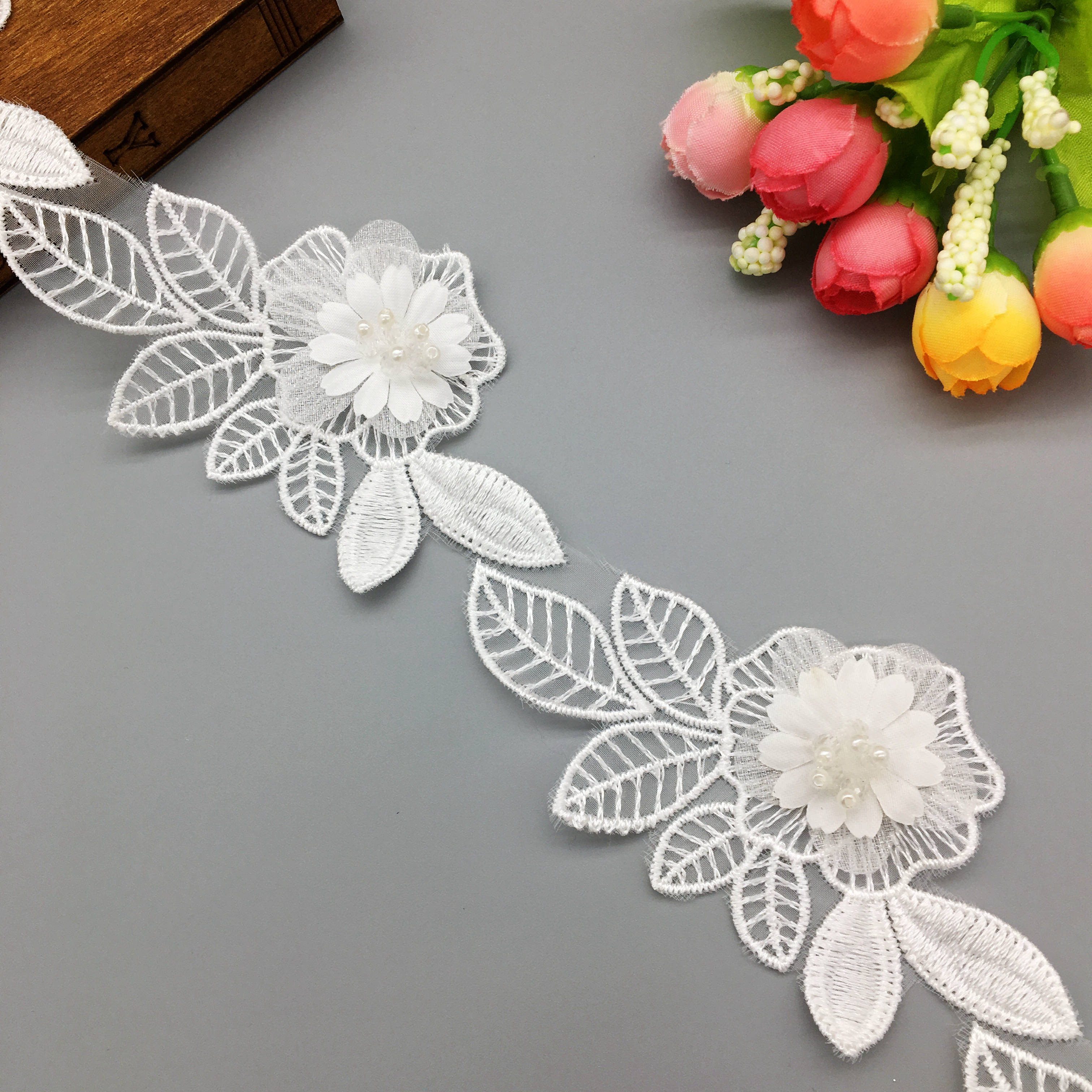 20//50x Flowers Pearl Beaded Lace Trim Applique Fabric Embroidered Ribbon Sewing