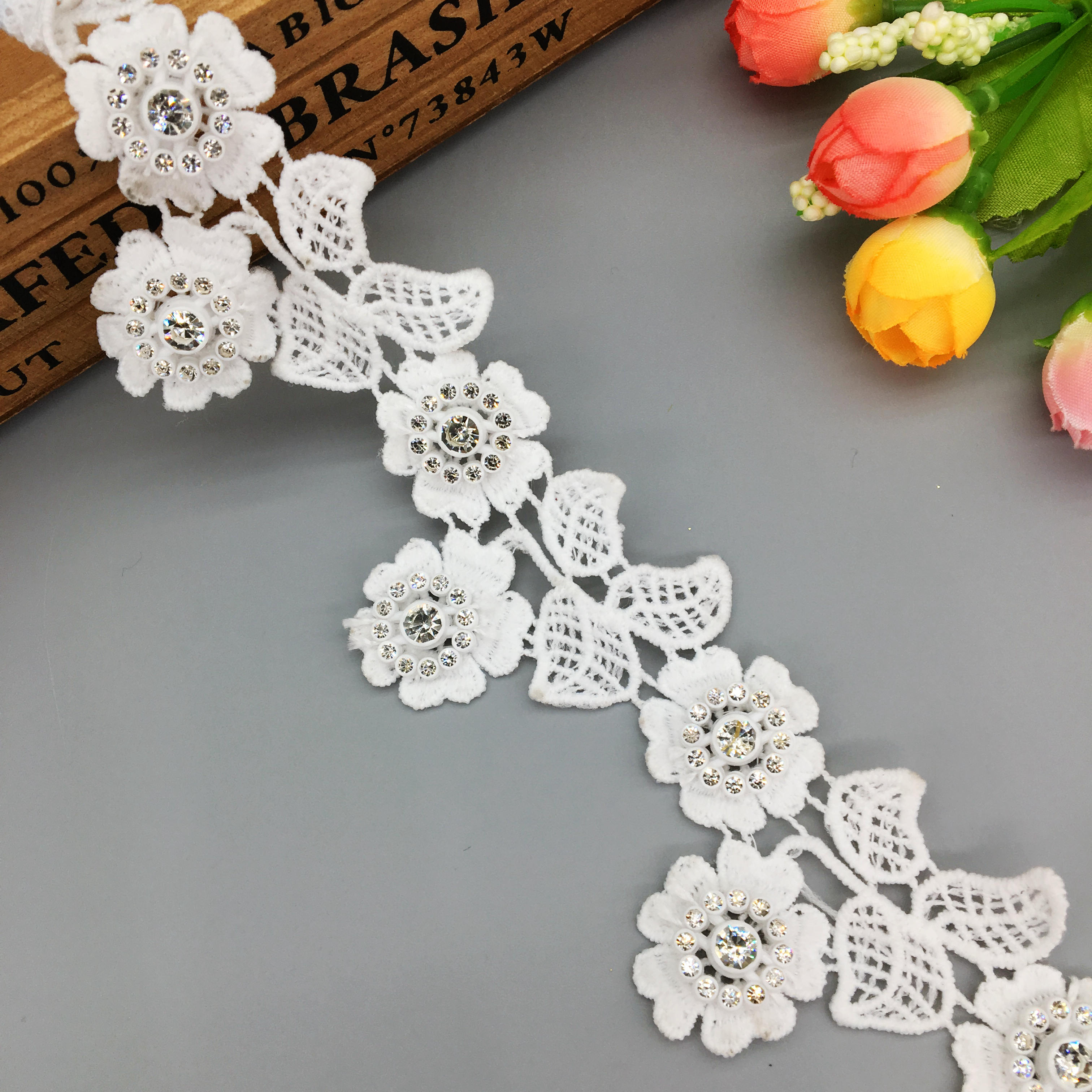 BUTTERFLY /& DAISY RIBBON ~ CRAFTS ~ TRIMMING ~ EMBELLISHMENTS ~ APPLIQUE