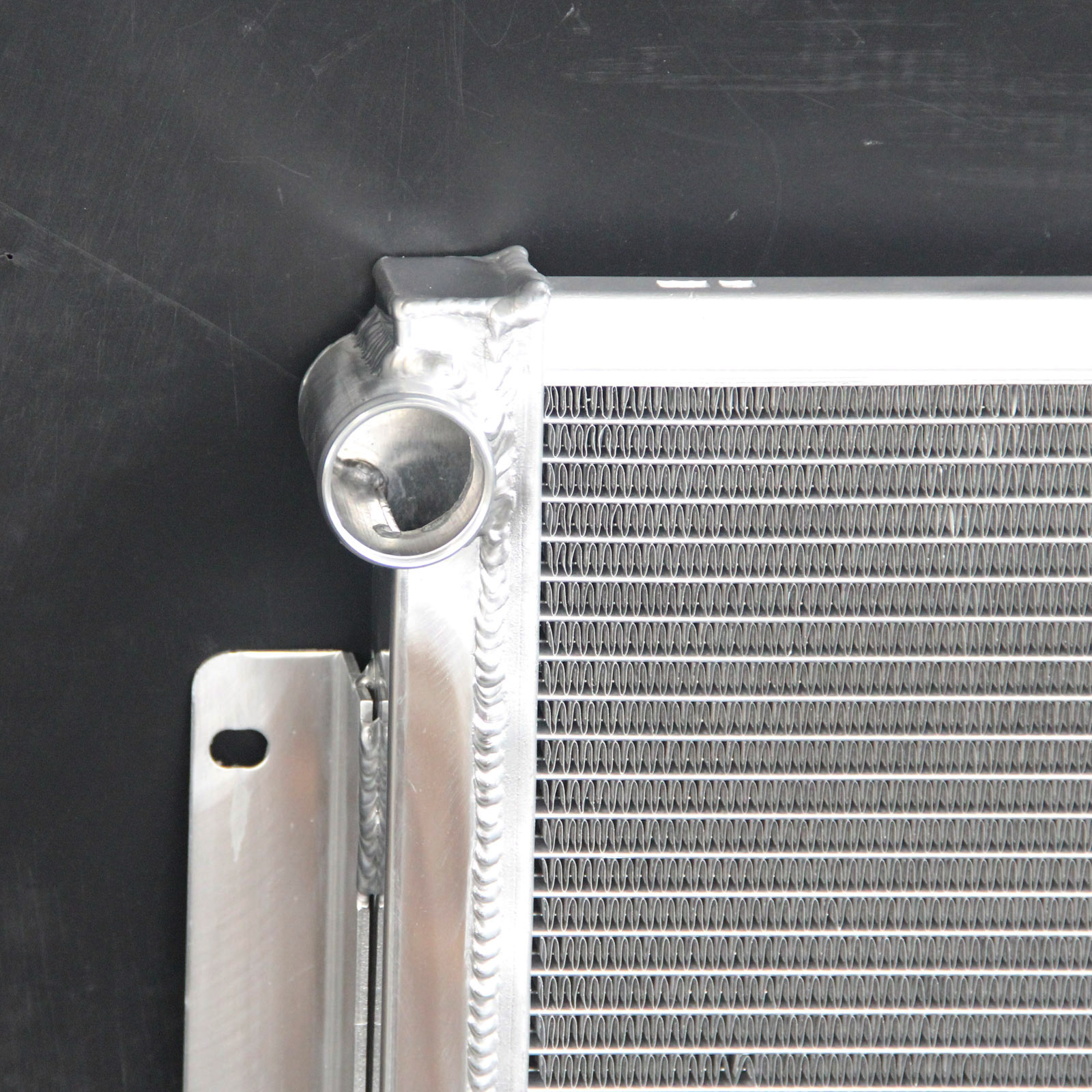 Aluminum radiator for CHEVROLET CAMARO 305ci 307ci 327ci Small Block V8 AT MT